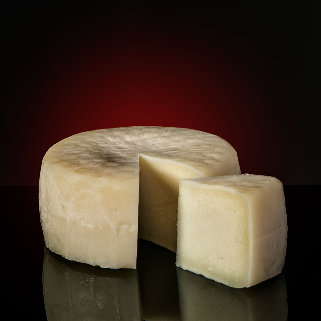 cheese-GOATS-CHEESE-gourmet-food-from-spain-mariscal-sarroca